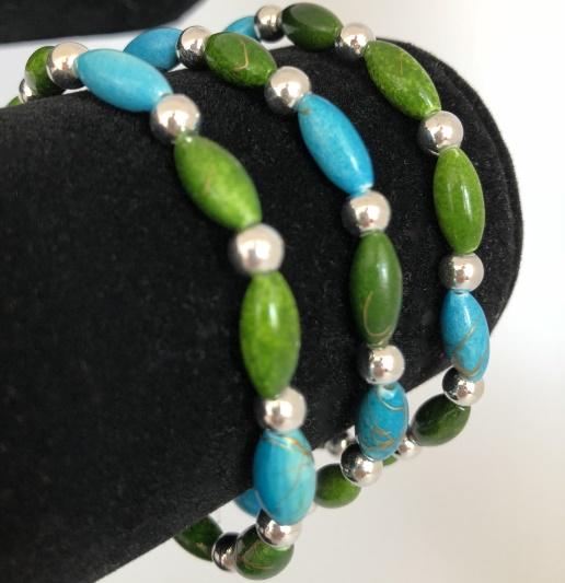 Armband i blått och grönt