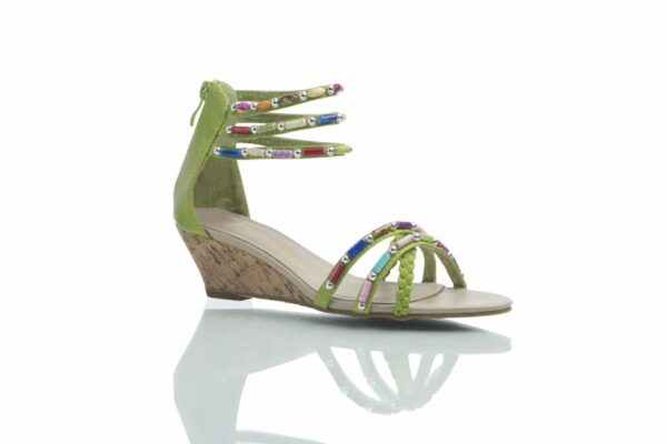 Cajsa limegrön, sandal från Caribbyshoes.