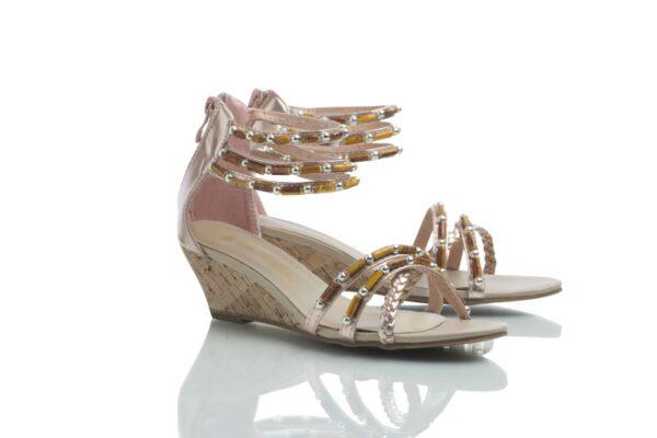 Caribbys nätta sandaler med kilklack, Cajsa i roséguld.