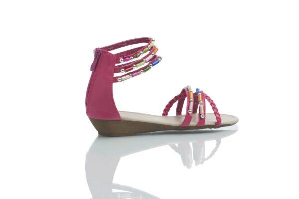 Day, sandal från Caribbyshoes, fuchsia med färgglada pärlor.