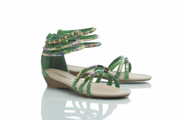 Produktbild, ett par gröna sandaler, Day från Caribbyshoes